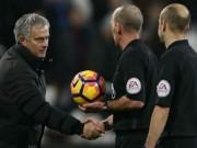 """Bóng đá - Mourinho: MU """"vô địch"""" về sự bất công từ trọng tài"""