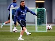 Bóng đá - Tin HOT bóng đá tối 3/1: Ronaldo tập luyện khoe siêu giày