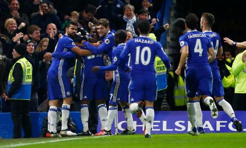 Thắng như chẻ tre, Chelsea thách thức kì tích 130 năm
