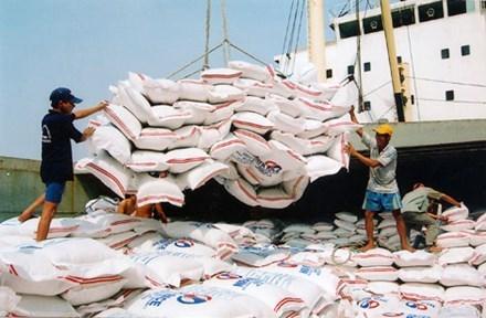 Bộ Công Thương mở cửa cho doanh nghiệp xuất khẩu gạo - 1
