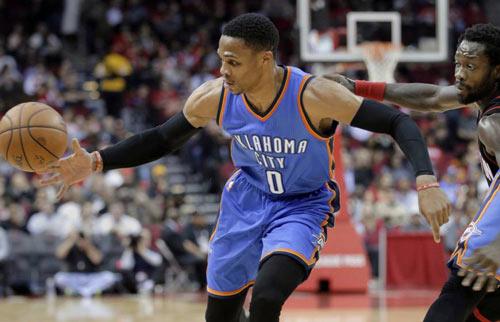 """NBA: """"Quái vật"""" ghi 49 điểm, vẫn thua đau trước """"Thần Râu"""""""
