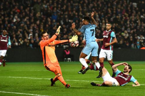 West Ham - Man City: Sụp đổ trong 2 phút