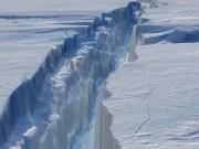 Thế giới - Núi băng lớn bằng một quốc gia sắp tách rời khỏi Nam Cực
