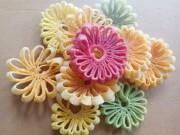 Ẩm thực - Mứt dừa hình hoa cúc khiến chị em phát cuồng dịp Tết