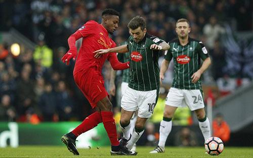 Liverpool - Plymouth: Chống cự kiên cường - 1