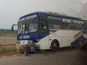 Tin tức trong ngày - Nam thanh niên chết thảm dưới gầm xe khách ở Hà Nội