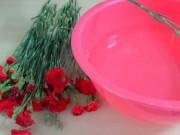 Góc đồ họa - Mẹo hay- Dễ làm: 4 cách giữ hoa tươi lâu trong ngày tết