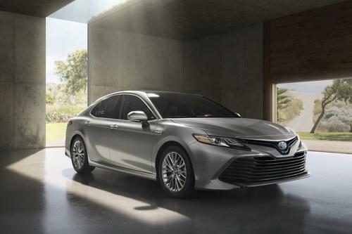 Toyota Camry 2018: Trẻ trung đến bất ngờ - ảnh 5
