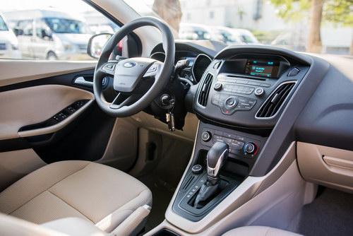 Ford Focus Trend 1.5 EcoBoost giá 699 triệu đồng tại Việt Nam - ảnh 3