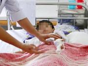 Sức khỏe đời sống - Bé 8 tuổi bị mất ngón tay vì tự ý chế tạo pháo