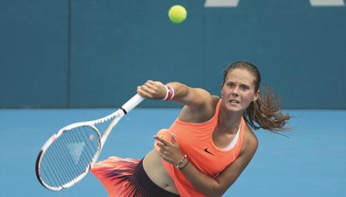 Tin thể thao 11/1: Tay vợt tuổi teen hạ số 1 thế giới
