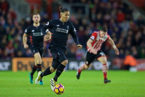 Southampton - Liverpool: Nghiêm túc thôi, Klopp - 2