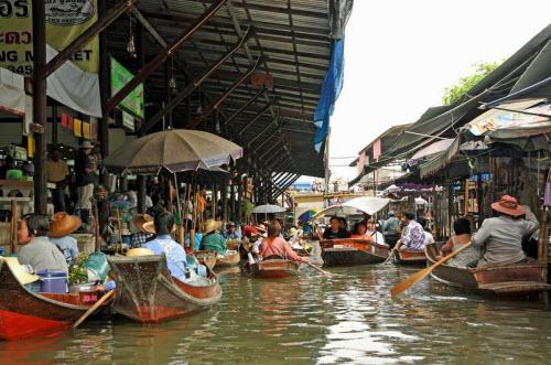 Khám phá những khu chợ nổi ấn tượng nhất Đông Nam Á - ảnh 2