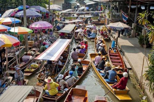 Khám phá những khu chợ nổi ấn tượng nhất Đông Nam Á - ảnh 11