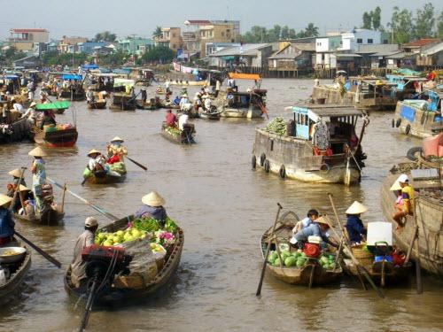 Khám phá những khu chợ nổi ấn tượng nhất Đông Nam Á - ảnh 12