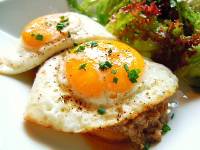 5 lỗi khi ăn sáng rất nhiều người mắc cần sớm loại bỏ - 1