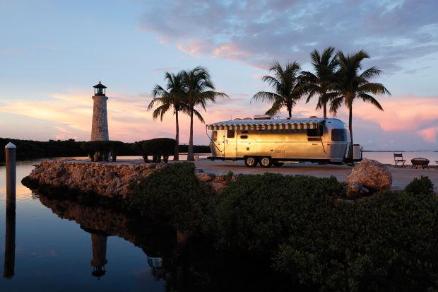 Airstream trình làng mẫu xe du lịch siêu khủng - ảnh 3