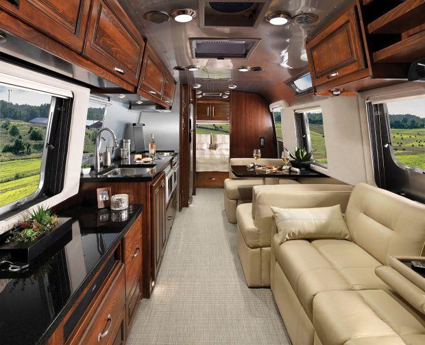 Airstream trình làng mẫu xe du lịch siêu khủng - ảnh 2
