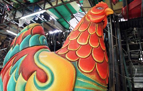 """Đàn gà """"khủng"""" sắp xuất hiện trên đường hoa Nguyễn Huệ - 3"""