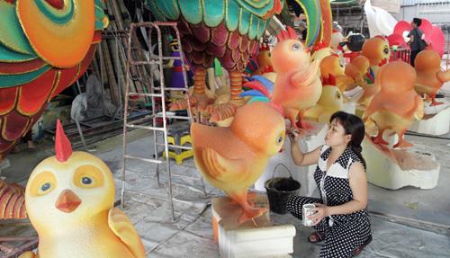"""Đàn gà """"khủng"""" sắp xuất hiện trên đường hoa Nguyễn Huệ - 5"""