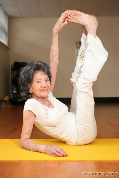 """U100 sống khỏe nhờ yoga và câu """"thần chú"""" kỳ diệu - 3"""
