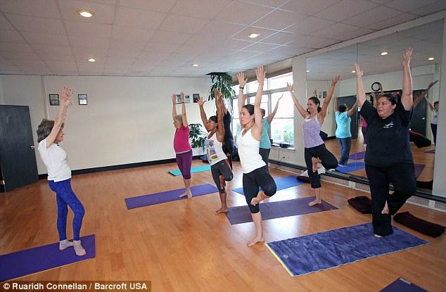 """U100 sống khỏe nhờ yoga và câu """"thần chú"""" kỳ diệu - 8"""