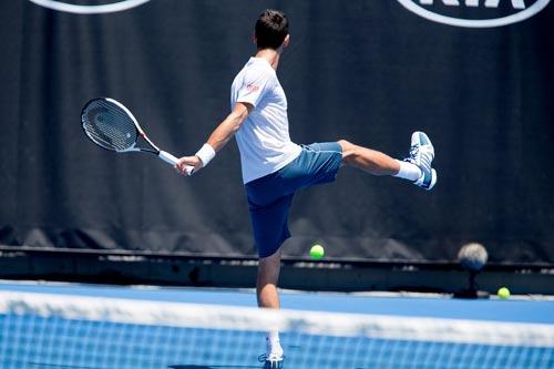 """Australian Open: Siêu sao """"căng mình"""" chạy đà - ảnh 2"""