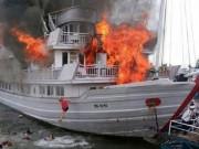 Tin tức trong ngày - Ám ảnh những vụ cháy tàu trên vịnh Hạ Long