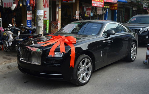 Đại gia FLC tặng Thu Ngân siêu xe 30 tỷ không phải hàng chính hãng? - ảnh 1
