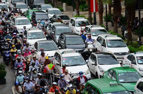 Năm 2016, Việt Nam tiêu thụ hơn 304.000 xe ô tô