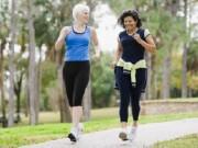 Sức khỏe đời sống - Đi bộ nhanh giảm nguy cơ đau tim