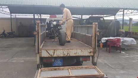 Đà Nẵng: Xe mô tô 'kỳ dị' gắn… khẩu đại liên 6 nòng - ảnh 3