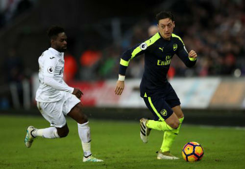 Swansea - Arsenal: Mưa bàn thắng trừng phạt tội đồ - ảnh 1