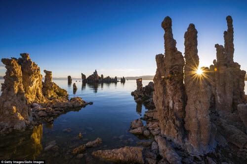 Ngắm những tháp đá độc đáo như trên hành tinh lạ - 5