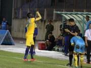 Bóng đá - V-League: Ngoại binh chơi xấu, khiêu khích khán giả