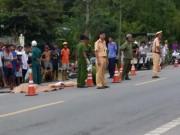 2 người chết thảm dưới bánh xe khách