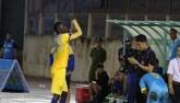 V-League: Ngoại binh chơi xấu, khiêu khích khán giả