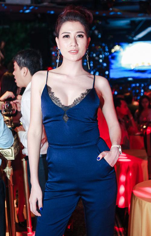 Phi Thanh Vân khiến ai cũng choáng tại tiệc đêm - 5