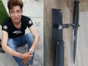 An ninh Xã hội - Bị vây bắt, tên cướp rút dao găm tấn công 'hiệp sĩ'