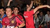 Fan MU hét khản giọng vì bàn thắng quý như vàng