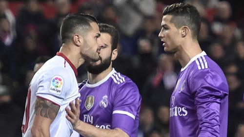 """Real thua, Ronaldo nhận QBV và """"điềm báo"""" Sevilla 2014"""