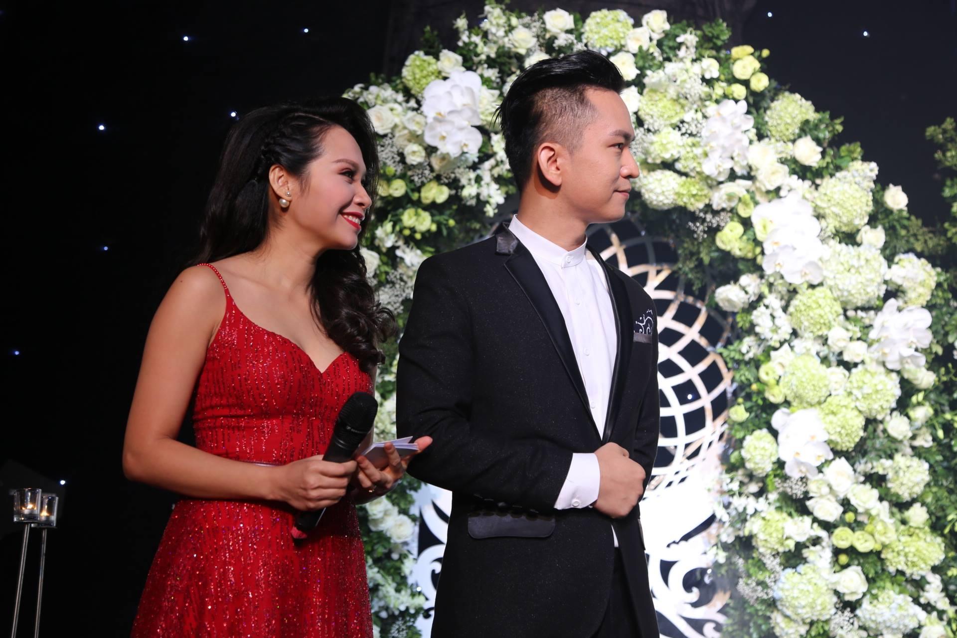 Cận cảnh lễ cưới xa hoa của HH Thu Ngân và đại gia hơn 19 tuổi - 10