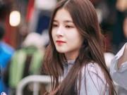Bạn trẻ - Cuộc sống - Cô gái 17 tuổi gây xôn xao phố đi bộ Hà Nội vì quá xinh đẹp