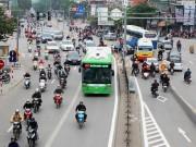 Tin tức trong ngày - Bao giờ xử phạt phương tiện lấn làn xe buýt nhanh?