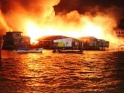 Khánh Hòa: Cháy lớn thiêu rụi hơn 40 căn nhà
