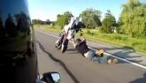 """Xe đua 160km/h: """"Bốc đầu"""" thể hiện, được ngay vào viện"""