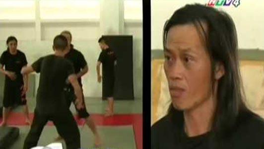 Té ngửa với màn đánh võ bá đạo của Hoài Linh