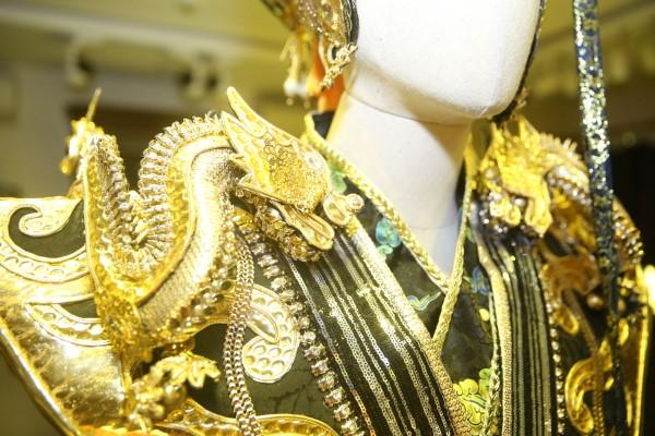Ngắm gần Hoài Linh gầy gò diện phục trang táo quân nặng hơn 10kg - 3
