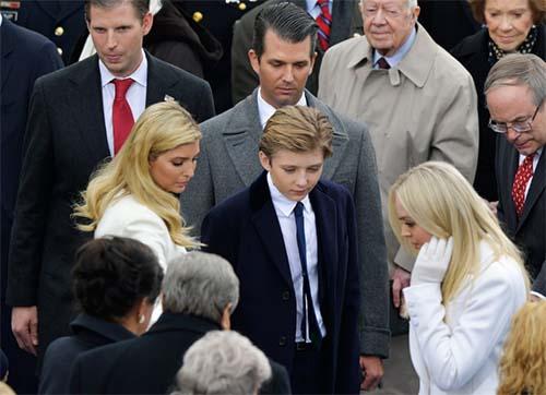 Donald Trump nhậm chức: Những hình ảnh ấn tượng nhất - 12