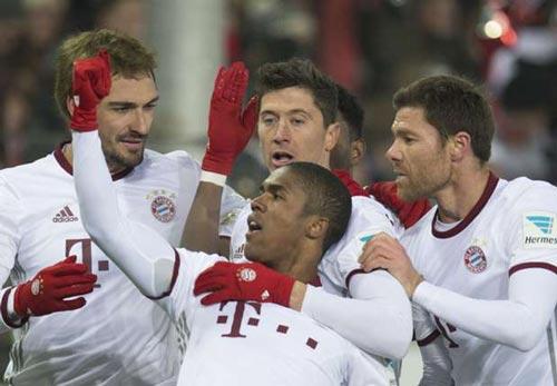 "Freiburg - Bayern Munich: ""Cứu giá"" phút bù giờ - 1"